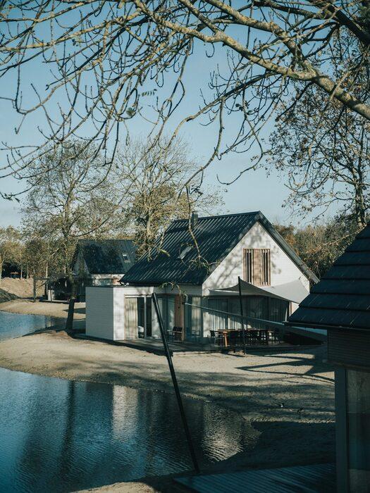 Eerste woningen Ridderstee  te Ouddorp klaar.